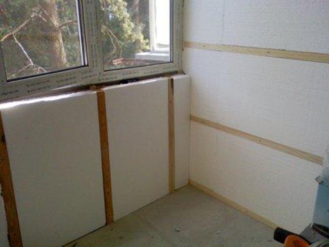 совместить балкон и кухню