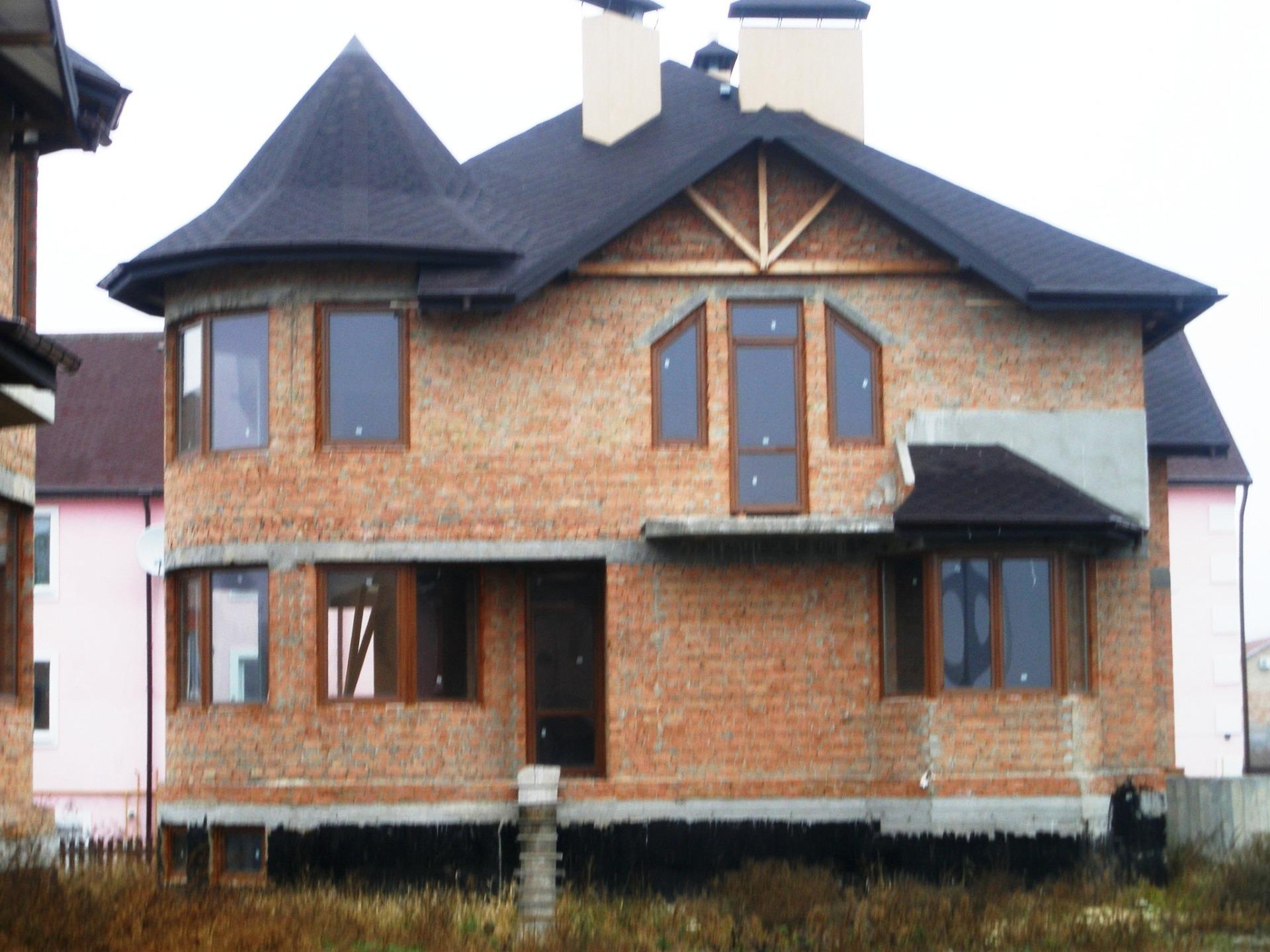 кирпичный дом недорого