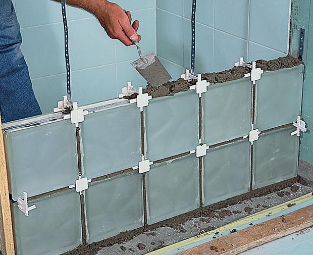 монтаж стены из стеклоблоков
